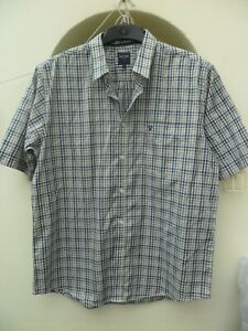 Men's short sleeve shirt size large, very good condition,