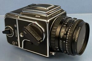 HASSELBLAD ZEISS 501CM CHROME CAMERA OUTFIT +80MM CB +A12 BACK +UV FILTER NICE