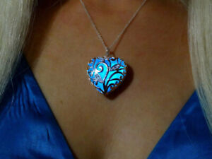 Aqua Blue Glowing Heart Glow in the Dark Pendant Necklace Gift& UV Torch Charger