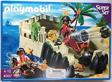 Playmobil 4007 Pirates Cove Super Set with Cove. new in the box