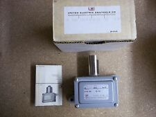 United Electric Controls Co. Pressure Switch JG 9603  0-30 PSI  New Old Stock