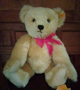 Steiff 1909 Replica Original Blond Teddy Bear, Jointed, Ear Button, Flag 0166/43