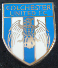 COLCHESTER UNITED FC Club crest type badge Brooch pin In gilt 16mm x 20mm