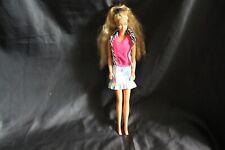 Barbie Puppe  (  3  ) mit Rock und Bluse