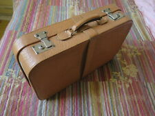 Alt antik kleiner Leder Koffer schließbar m. Schlüssel in. Seide sauber h. Braun