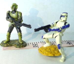Star Wars Hasbro LFL Lot of  2  - 2005 Mini Action Figures