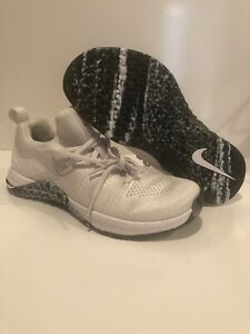 NIKE METCON FLYKNIT 3 TRAINING SHOES WOMENS SIZE 7 NEW AR5623-110 WHITE