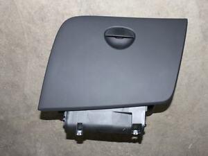 Seat Leon 1P Cupra / Cupra R Handschuhfach schwarz Cubustruktur 1P1857095A