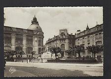 LIMOGES (87) CITROEN TRACTION au BUREAU DE POSTE & MONUMENT aux MORTS en 1945