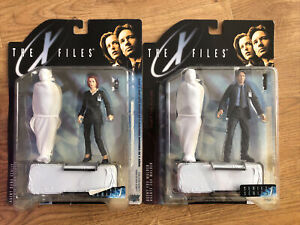X Files Fight The Future Figures NRFP Agent Mulder & Scully 1998