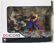 DC ICONS Superman vs Doomsday Death of Superman Deluxe Figure Set