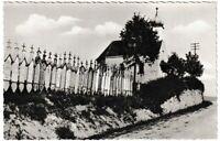 Ansichtskarte Cham/Bayern - Totenbretter mit Kirche - Echt Photo - schwarz/weiß