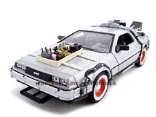 "DELOREAN ""BACK TO THE FUTURE 3"" 1:24 DIECAST MODEL CAR BY WELLY 22444"