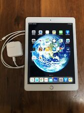 *Excellent Condition* Apple iPad (5th Generation) 32gb WiFi Gold