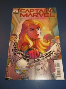 Captain Marvel #8 1st Star Hot Key VFNM Beauty Wow