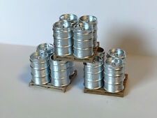 12 Modern Beer Kegs PAINTED O Scale 3D-PLUSS  1/43 with pallets