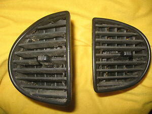 1999 97-05 Buick Regal GS black  Dash Panel CENTER vents