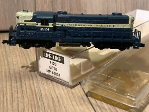 N Scale Life-Like GP-18 Locomotive MP #7124 Missouri Pacific #4824 Hi-Nose