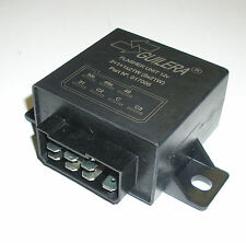 Blinkgeber Blinkrelais Warnblinkgeber 12V 8x 21W  mit 30b für MB Trac 017005