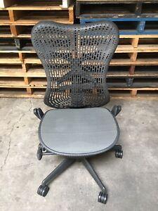 Herman Miller Mirra Chair - Graphite - Excellent Condition (30)