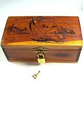 Vintage 3-1/4 x 4 x 8-Inch FLORIDA SOUVENIR CEDAR KEEPSAKE BOX, w/ Little Lock