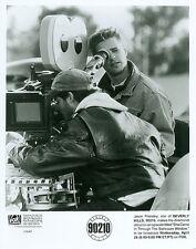 JASON PRIESTLEY BEHIND CAMERA ON LOCATION  BEVERLY HILLS 90210 1993 FOX TV PHOTO