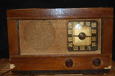 Vintage Admiral Super Aerospace Radio - Veneered Maple Finish