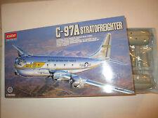 C-97A STRATOFREIGHTER 1604 KIT MONTAGGIO ACADEMY SCALA 1:72