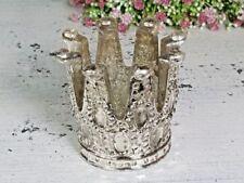 Deko-Windlichter im Shabby-Stil mit Krone
