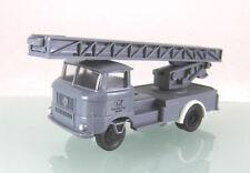 H0 s.e.s / Modelltec 14 1057 95: IFA W50 Drehleiter der Deutschen Post DDR