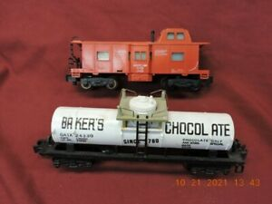 AMERICAN FLYER 24330 BAKERS CHOCOLATE & 24634 BAY WINDOW CABOOSE !!!