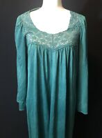 Vintage Vanity Fair Womens Green Nylon Nightgown Gown Long Sleeve Lace M
