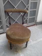 antica poltroncina in legno inginocchiatoio