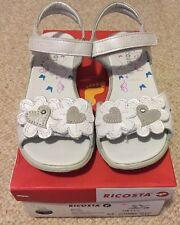 Girls White Leather Sandals Size 2 US/ 33 EU BNIB Hearts Flowers 🌸💕