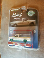 Greenlight Hobby Exclusive '76 Ford F100 Bicentennial Pickup White Green Machine
