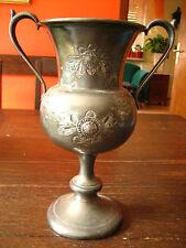 wunderschöner hoher Tafelaufsatz reich graviert Vase Kelch Kelchvase Jardiniere