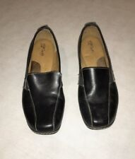 Euro Soft by SOFFT Black Leather Heel Loafers / Women��s Shoe Size 10