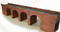 Metcalfe Double Track Viaduct in Red Brick OO Gauge Card Kit PO240