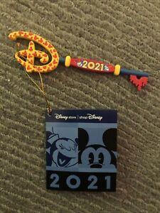 Disney Store Mickey and Minnie 2021 Opening Ceremony Key 🔑🌈