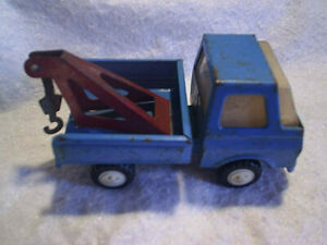 TONKA TOY WRECKER TOW TRUCK,Made In Japan,vehicle,vintage,blue