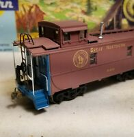 HO Athearn Great  Northern cupola caboose,  for train set, custom with box