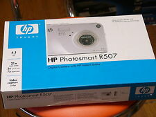 NEW HP PhotoSmart R507 4.1 MP Digital Camera with PENTAX LENS - Silver