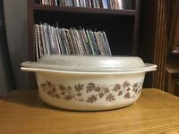 Vintage PYREX 2 1/2 Qt Oval Casserole #045 Gold Acorns & Leaves, USA