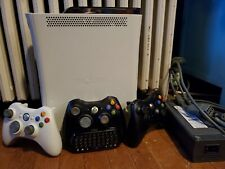 Xbox 360 250Gb/3 contollers with chatpad