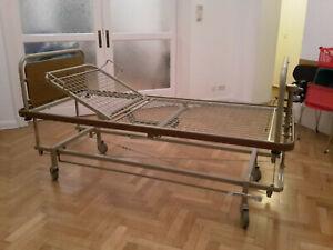 Krankenhausbett klassisch Krankenbett höhenverstellbar Praxiseinrichtung