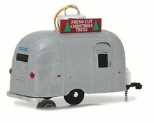Greenlight 29915 Airstream 16' Bambi 1:64 Scale Holiday Silver Edition Ornament