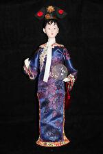Jolie poupée vintage costume traditionnel Asie Japon Geisha satin Doll