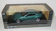 1/18 Hot Wheels  Aston Martin V8 Vantage   Metallic Green