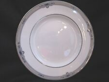 Wedgwood - AMHERST R4724 - Luncheon Plate