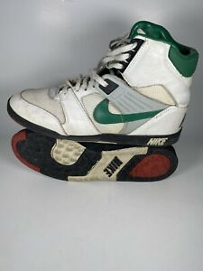 Vintage 1980s Nike Pro Mens Football Turf Cleats Size 10.5 890203FT Deadstock